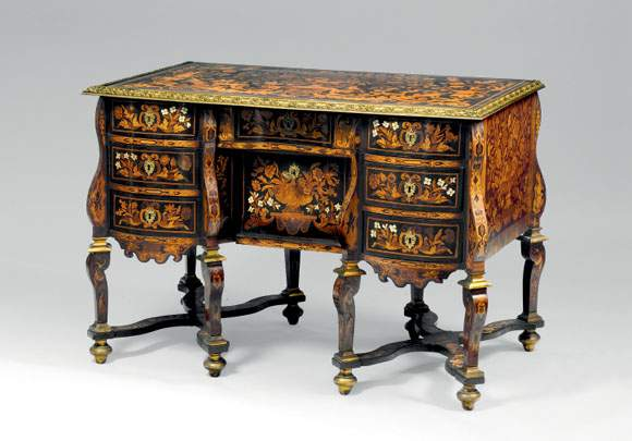 Authenticite european fine art specialists valuation for Meuble bureau 64