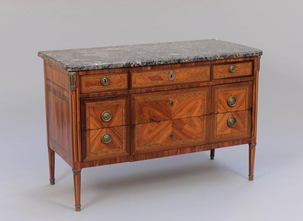 vente aux encheres expertise estimation meubles anciens sieges anciens tableaux. Black Bedroom Furniture Sets. Home Design Ideas