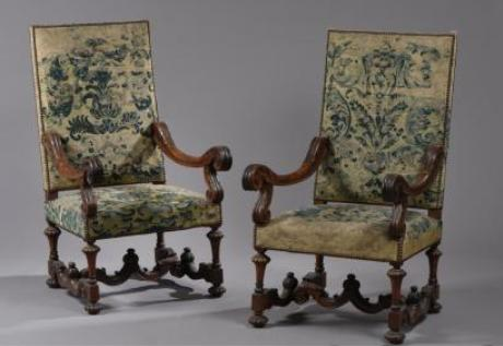 Guillaume Le Floc'h auctioneer in collaboration with our experts  specialized in free valuation and free appraisal auctioned a pair of French  antique Louis ... - Free Valuation - Antiques Furniture - Cabinet - French Armchair